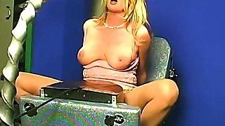 Amateur solo blonde babe has an intense orgasm riding a machine