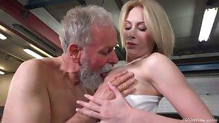 Lanuginose old man sucks juicy tits of fresh looking sweet gal