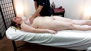 Thick 18 Year Old Alice Constituent Gets A Massage